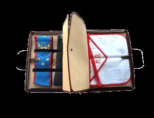 esempio di cartella portaparamenti piena, con fasce elastiche e bottoni